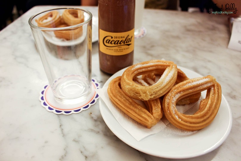 Cacaolat and churros